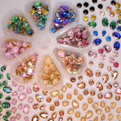 Kit pedrarias engrampadas variadas  - Pedras com acabamento dourado e prata