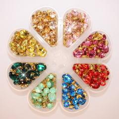 Kit pedrarias engrampadas variadas + pote organizador  - Pedras com acabamento dourado