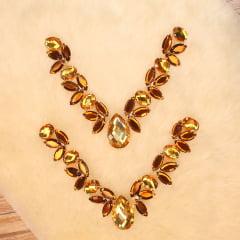 Cabedal engrampado gota com navetes - dourado