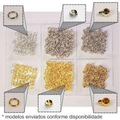 Kit com miçangas e pérolas para pulseiras - 2 potes e acessórios
